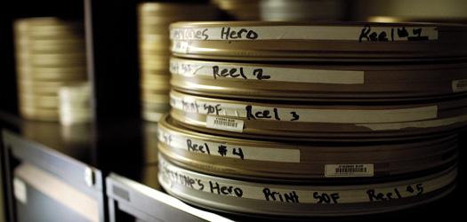 Projekcje filmowe wbibliotece