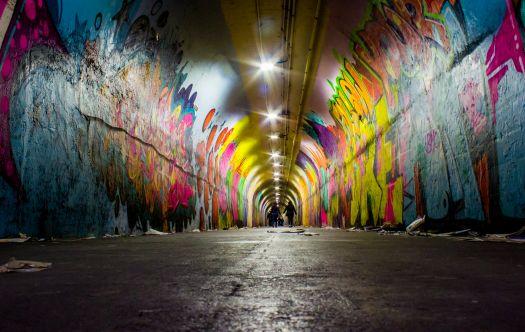 Sztuka uliczna – uciążliwość dla właścicieli budynków