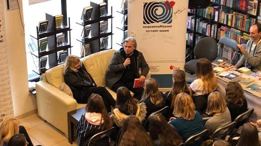 Aktorzy czytają książki wKsięgarni Marzeń