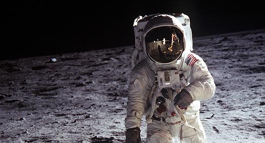 Czy potrzeba zgody autora na wykorzystanie zdjęć NASA?