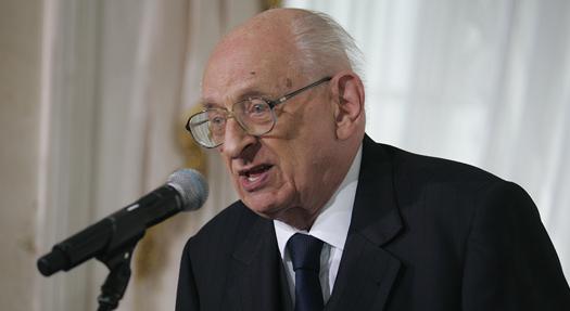 Archiwum prof. Bartoszewskiego trafi do Wrocławia