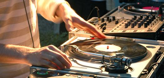 Zakup licencji przez niepełnoletniego DJ'a